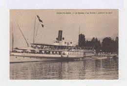 Evian Les Bains. Le Bateau Le Suisse Quittant Le Port. (2967) - Evian-les-Bains
