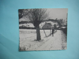 PHOTOGRAPHIE GRAND FORMAT  -  NEVERS - 58 -  En Descendant Des Montapins -  1964 -  12,5  X 14,6  Cms  -  NIEVRE - Lieux