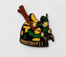 Pin's Monterfil Musiciens Musique Médiévale Ille Et Vilaine - No/1 - Autres