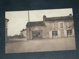 CHAMPAGNE SAINT HILAIRE / ARDT Montmorillon   1930   /   RUES &  COMMERCES .........  EDITEUR - L'Isle Jourdain