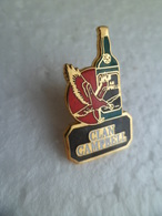 Pins Pin's EGF Boisson Alcool Whisky Marque CLAN CAMPBELL Aigle Groupe RICARD - Bouteille - Signé L'Abus ... - Boissons