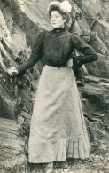 FRANCE - Female Bretagne Ethnic Costume (see Scan For Details) - Europe