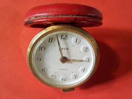 VINTAGE ANCIEN RÉVEIL MÉCANIQUE DE POCHE Fonctionne Heure Et Sonnerie Marque SOLO 4 JEWELS MADE IN FRANCE Revisé 1990 - Alarm Clocks