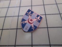 413c Pin's Pins / Beau Et Rare : Thème MILITARIA / INSIGNE ARMEE FRANCAISE 40e REGIMENT D'ARTILLERIE - Army
