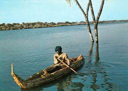 1 AK Tschad * République Du Tchad * Mann Mit Einer Piroge Auf Dem Tschadsee - IRIS Karte 5094 * - Tschad