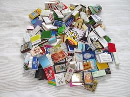Lot De + 1 Kg  Petites Boites D'Allumettes Et Pochettes (thèmes Différents) - Matchboxes