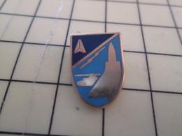 715c Pin's Pins / Beau Et Rare : Thème MILITARIA / APPAREMMENT UNE UNITE DE L'ARMEE DE L'AIR MIRAGE HELICOPTERE - Army