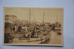 CROIX-de-VIE-arrivee D'un Langoustier Dans Le Port - Saint Gilles Croix De Vie