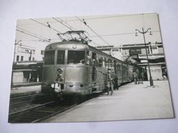 FRANCE GARE VERSAILLES-CHANTIER (78) RAME BUDD X 3700  En 1951 Train Pour Chartres Et Le MANS  Détails  2ème Scan - Trains