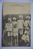 L'inde Des Rajas-jeunes Bhil Avec Leurs Arcs De Chasseurs - India