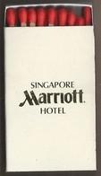 Luciferdoosje. SINGAPORE MARRIOTT HOTEL. 320 Orchard Road. Matchbox Allumettes Luciferdoos Lucifer Lucifermap - Matchboxes