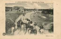 30   GALLARGUES   ARRIVEE DES TOROS - Gallargues-le-Montueux