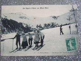 LES SPORTS D'HIVER AU MONT DORE / LE SKI GYMKHANA / UN GROUPE DANS L'EPREUVE DE STYLE / TRES BELLE CARTE ANIMEE - Le Mont Dore