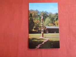 Indian Steps Museum Totem Pole        Ref 2994 - Postcards