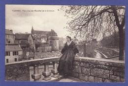 1622) VANNES Vue Générale 1 Femme (TTB état) - Vannes