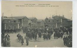 LEVALLOIS PERRET - Place Collange - Grève Générale Des Chauffeurs Du 28 Nov. 1911 Au 22 Avril 1912 - Levallois Perret