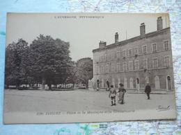 Place De La Montagne Et La Gendarmerie - Issoire