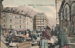 H145 - 38 - GRENOBLE - Isère - Place Sainte-Claire Et Le Marché - Grenoble