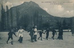 H145 - 38 - GRENOBLE - Isère - L'Hiver - Le Patinage Au Polygone Et Le Casque Du Néron - Grenoble