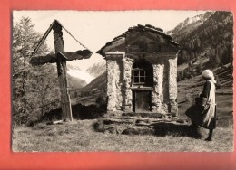 DA10-34 Lötschental. Kapelle Bei Ferden . Tracht. Nicht Gelaufen. Hari 103 - VS Valais