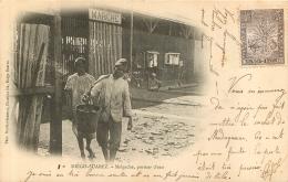 DIEGO SUAREZ  MALGACHE PORTEUR D'EAU - Madagascar
