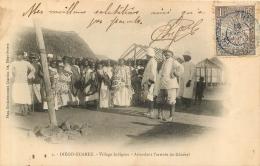 DIEGO SUAREZ  VILLAGE INDIGENE ATTENDANT L'ARRIVEE DU GENERAL - Madagascar