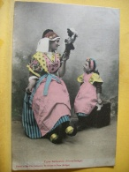 L9 7152 - CPA 1905 - 09 TYPES BETHMALAIS (HAUTE AROIEGE) EDIT. FAURE ET FILS. (FEMME FILLETTE ET POUPEE) - Francia
