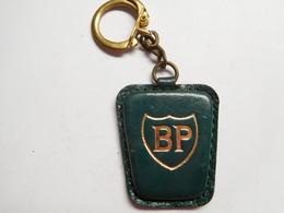 Beau Porte Clés ( No Pin's ), Auto , Carburant Essence BP , British Petroleum - Fuels