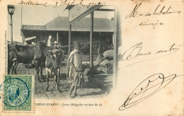 DIEGO SUAREZ JEUNE MALGACHE VENDANT DU RIZ - Madagascar