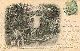 DIEGO SUAREZ  MALGACHES MARCHANDS DE LAIT - Madagascar