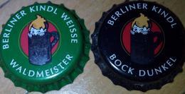 2 Berliner Kindl Bier Brauerei Kronkorken Berlin Beer Bottle Crown Caps Set Chapas De Cerveza Capsules Biere Kroonkurken - Beer