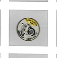 Pin's  MOTOFRENCH  CUP - HONDA  600  CBR, J' Aide  Un  Pilote - Motorbikes