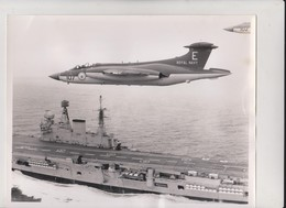 HMS EADLE 1961   BLACKBURN  BUCCANEER S1  ++    26 * 20 CM  BATTLESHIP  Navio De Guerra  Warship - Boats