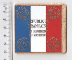 DRAPEAU 3° RMAT REGIMENT DU MATERIEL En Métal Doré - Drapeaux