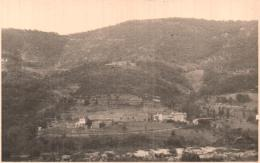 PHOTO DE 13 X 8.3 CM GARD AUJAC ROUTE DE VILLEFORT MAS DES PAUZES ET MONTAGNE DE BOUNEVAUX - Places