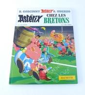 BD Astérix Chez Les Bretons Goscinny-Uderzo éditions HACHETTE 1999 - Autres Auteurs