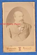 Photo Ancienne Vers 1870 - PARIS - Portrait Notable Personnalité à Identifier - Photographe Truchelut Médaille Docteur ? - Photos