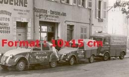 Reproduction D'une Photographie De Citroen 2CV, Fourgonnette 2CV Et Citroen HY Publicitaires Pour Les Biscuits Ruhland - Reproductions