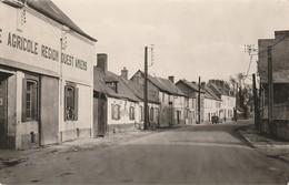 HORNOY  - La Rue Du Château - Autres Communes