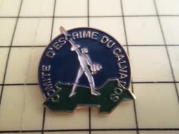 1215b Pin's Pins / Beau Et Rare : Thème SPORTS / COMITE ESCRIME DU CALVADOS NORMANDIE FRANCE - Fencing