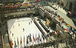 CARTE POSTALE ORIGINALE DE 9CM/14CM : NEW YORK CITY ROCKEFELLER SKATING RINK CENTER AT LOWER PLAZA NEW YORK USA - Places & Squares