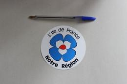 L ILE DE FRANCE NOTRE REGION  1 Autocollant - Pegatinas