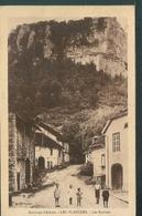 Environs D'Arbois - LES PLANCHES - Les Roches - Francia
