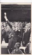 PRESIDENT KENNEDY THROWS OUT FIRST BALL TO OFFICIALLY OPEN THE 1963 MAJR LEAGUE SEASON - BLEUP - Historische Figuren