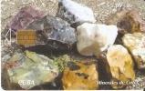 Nº 212 TARJETA DE CUBA DE SERIE MINERALES  OPALOS (mineral) - Tarjetas Telefónicas