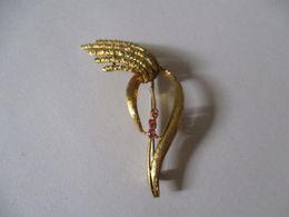Spilla In Oro 18k Con Rubino Stile Antico - Brooches