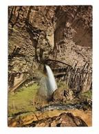 39 Grottes De Baume Les Messieurs Passerelle D'entrée Des Grottes Et Sa Cascade (2 Scans) - Baume-les-Messieurs