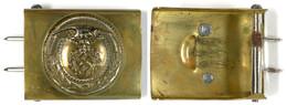 1366 Sturmabteilung Der NSDAP, Koppelschloss, Messing, Mit Aufgelegtem Medaillon, Zustand II.  II - Equipment