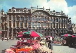 CPM - BRUXELLES - Une Partie De La Grand Place - Marktpleinen, Pleinen