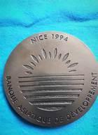 FRANCE Presse Papier Banque Asiatique De Développement Nice 1994 - Presse-papiers